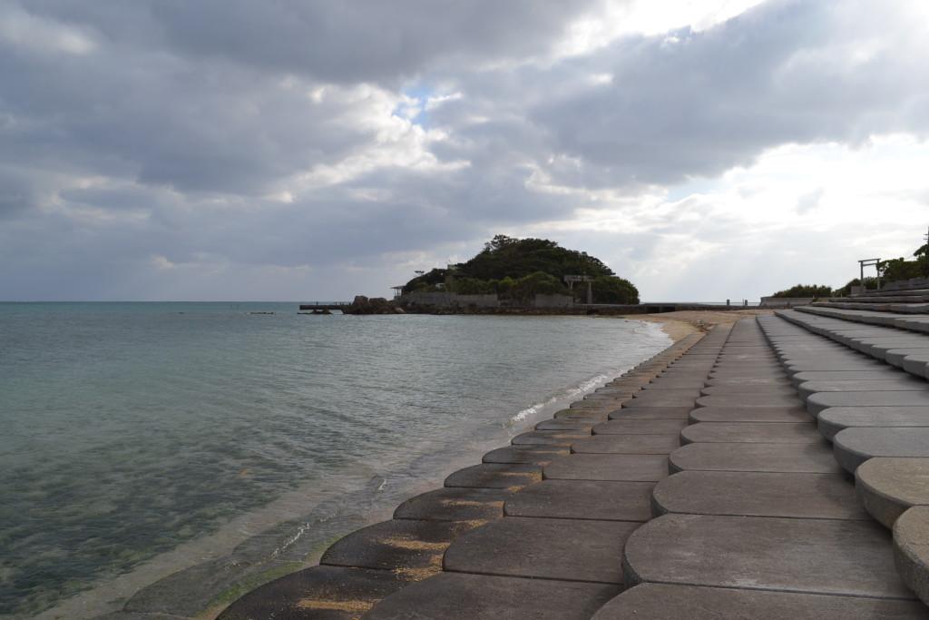 アーヂ島 横から