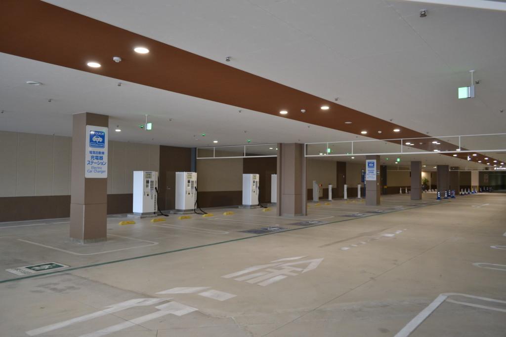 040_イオンモール沖縄ライカム 電気自動車 充電器ステーション