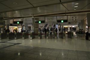 s070_香港_エアポートエクスプレス_九龍駅_改札